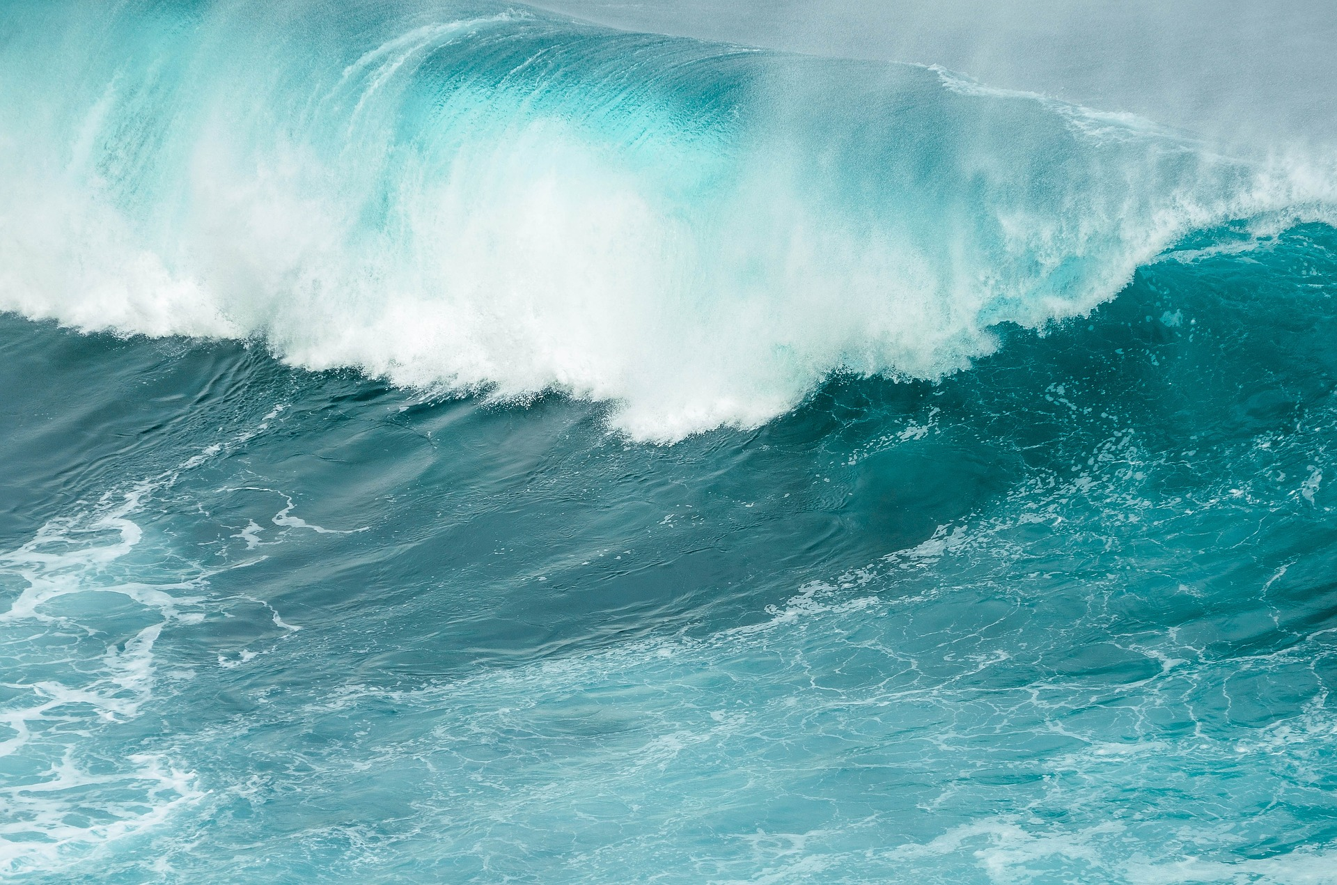 wave-4100647_1920